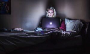CULTURA- Gli adolescenti e la ragnatela del Web -Alba Cervone